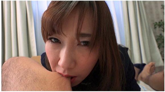 『噛みつき手コキ 茉莉花』相浦茉莉花