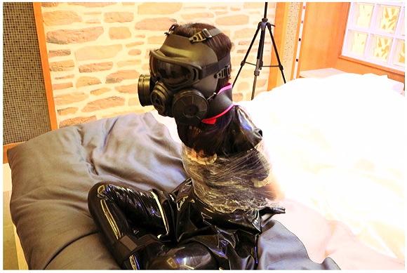 『ガスマスク少女(ガール)NO4』【WDC+水中カメラ+拘束具+酸欠+首絞め】