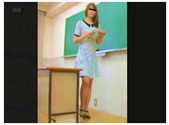 『怪盗集団ハヤブサさんの「女教師達のトイレ事情」VOL.1』【オートネット+女教師+隠撮トイレ】