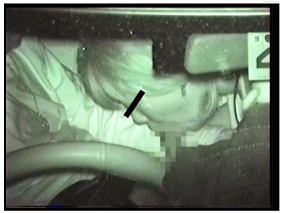 『新米送迎ドライバーが体験した信じられないエロイ車内』カーセックス盗撮動画