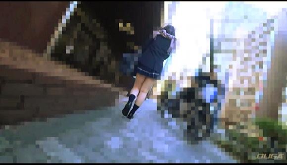 【痴漢】『《お気に入り娘》【電車チカン】【自宅盗撮】【睡眠姦】ハミ尻極ミニ女子●生 女神級のかわいさ #18』他【画像40枚】