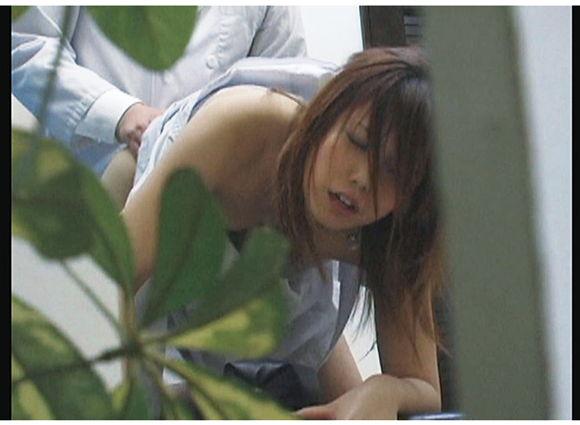 イチャつきカップル シャワールーム中出し性交盗撮