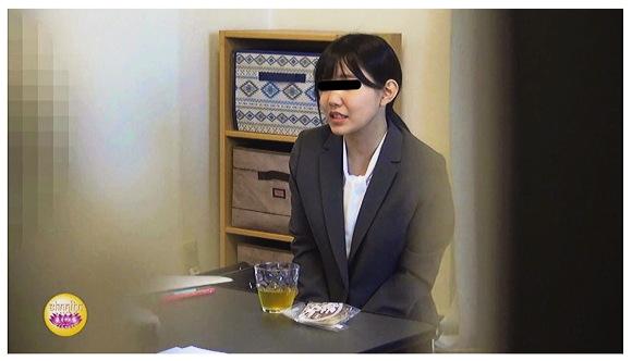『隠撮 OLクレーム対処中お漏らし② ~退席不能・・・醜態を晒す大失禁女たち~』【サンプル動画+画像10枚】