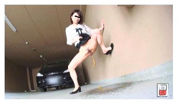 素人投稿 自画撮りシリーズ089 立ち糞排泄 FILE.1