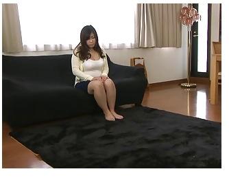 【借金 母乳 動画】爆乳の素人の母乳H無料動画。[爆乳]借金の形に母乳を出しました!巨乳おっぱい母乳動画です。
