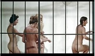 【巨乳・爆乳】巨乳の素人女性の巨乳・爆乳。[爆乳]昔の刑務所で囚人がキャットファイトを始めます!女子プロレス巨乳・爆乳です。-巨乳・爆乳