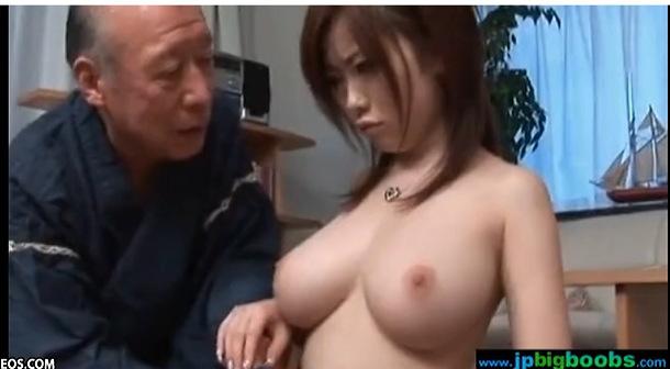 巨乳の人妻の無料デカパイ動画。爆乳浜崎リオさんが老人に遺産をもらいます!巨乳人妻動画です!