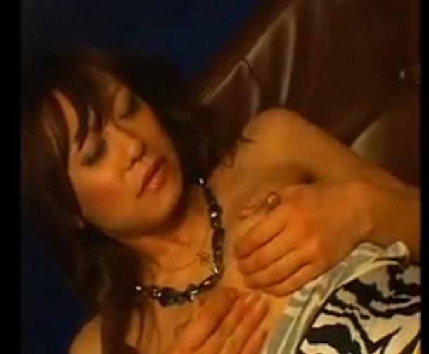 (巨にゅうの母乳ムービー)[ロケット乳]モデルGALが妊娠した☆美巨乳お乳母乳ムービーです。